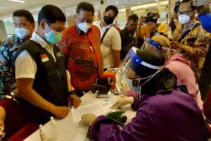 Wamenkes Tinjau Langsung Vaksinasi di Kota Surabaya