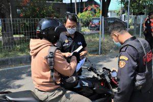 Satgas Covid-19 Surabaya Masifkan Pengawasan di Jembatan Suramadu saat Dini Hari